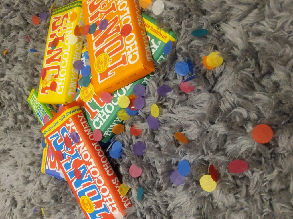 snacks-that-give-back-tonys-chocolonely-chocolate