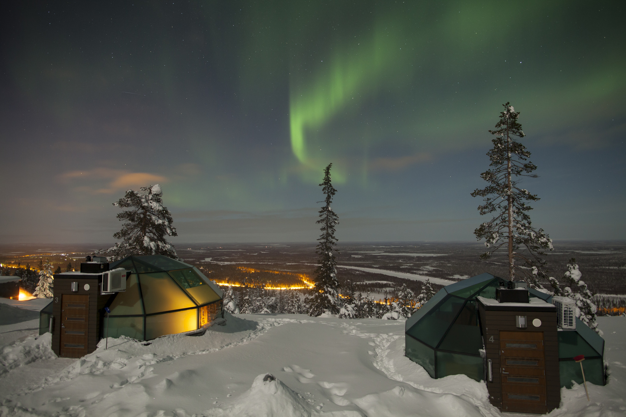 Levin Iglut, glass igloo, northern lights, finland, luxury travel, concept hotel, coco travel