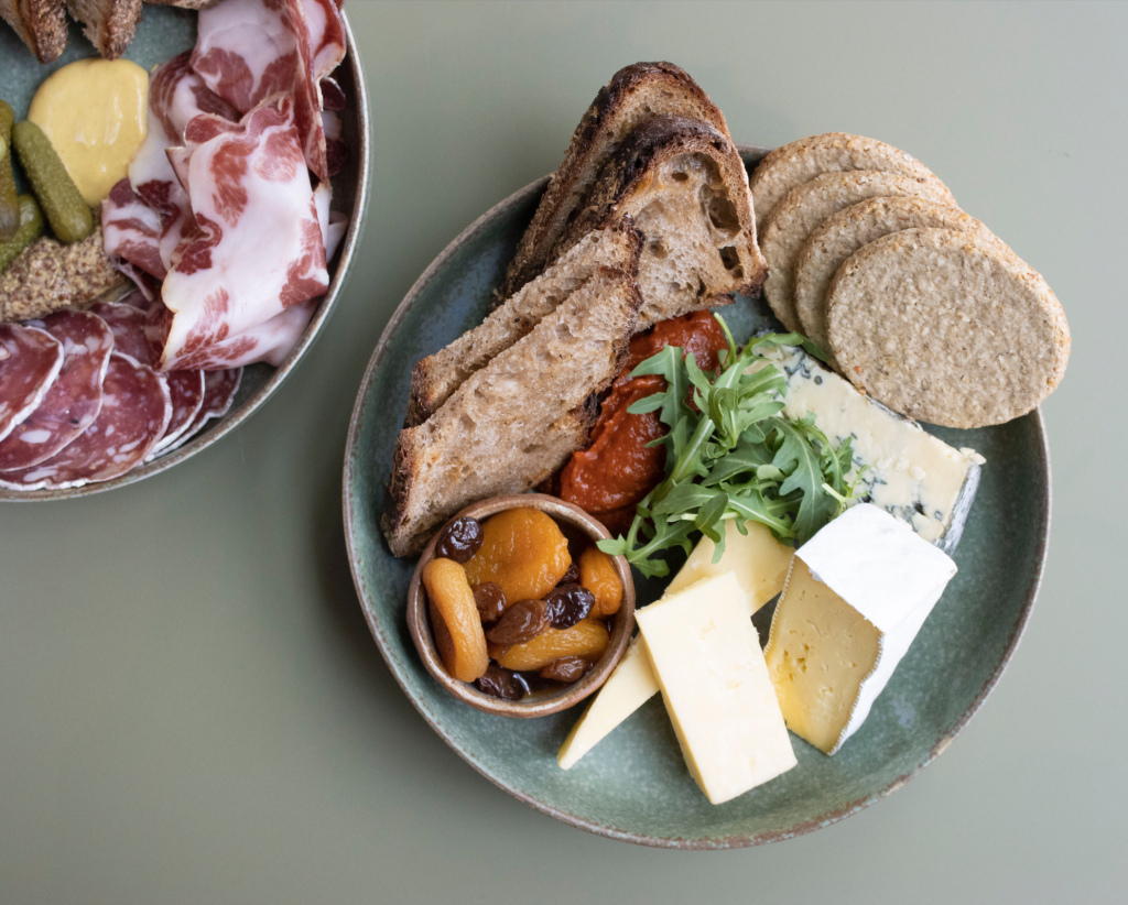 al-fresco-dining-london-best-outdoor-eating-spots-deli-cat-sons-charcuterie-cheese-boards