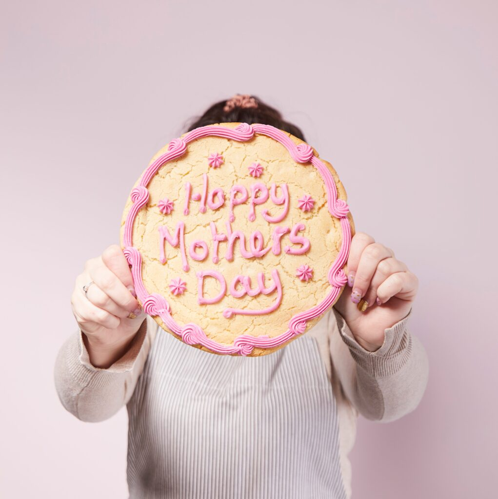 celebrate-mothers-day-aldi-giant-cookie-kit-baking