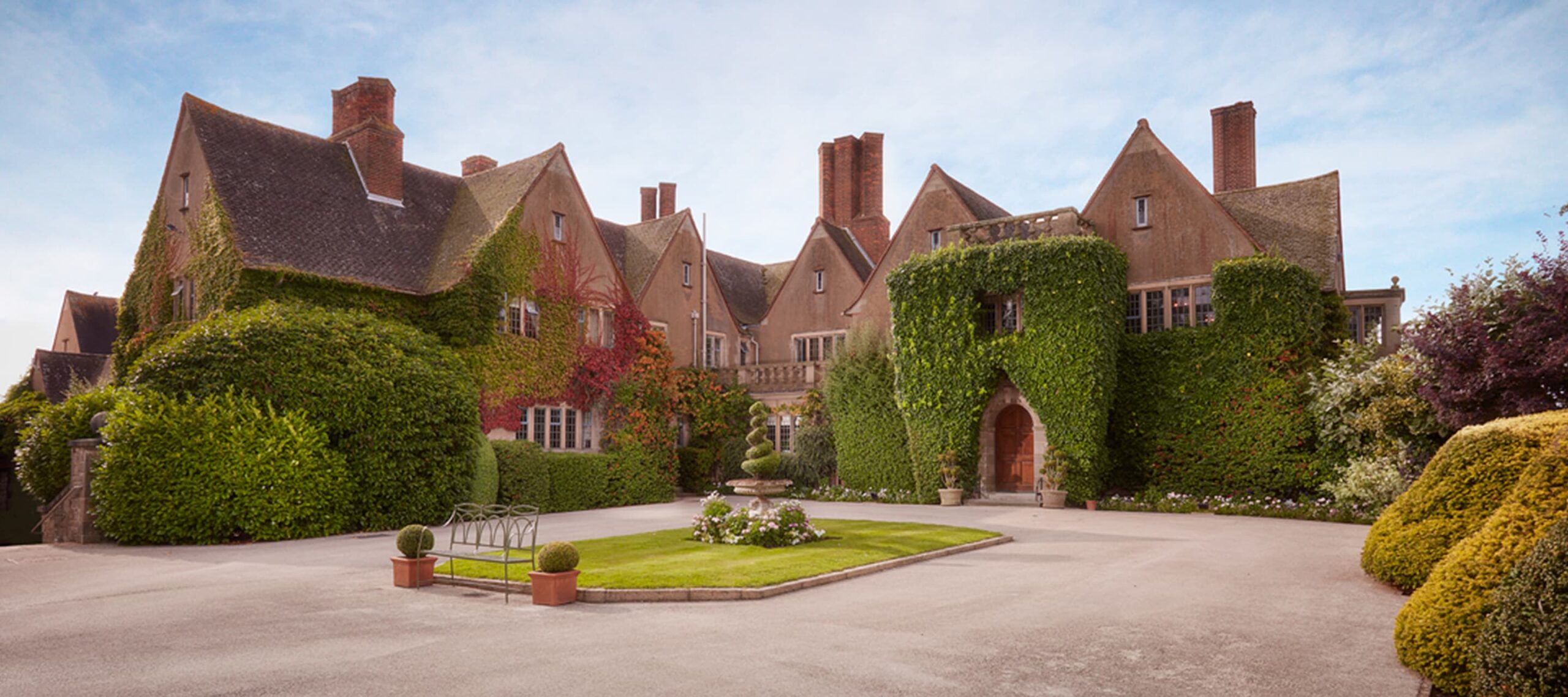 press-mallory-court-country-house-hotel-spa-warwickshire-appoints-new-general-manager-nick-hanson-1